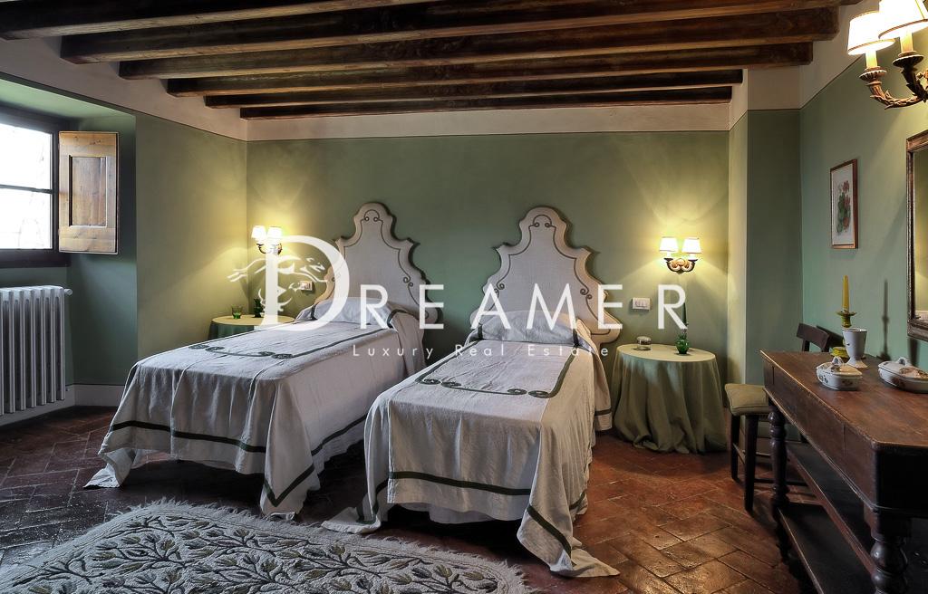 BedroomGreen1