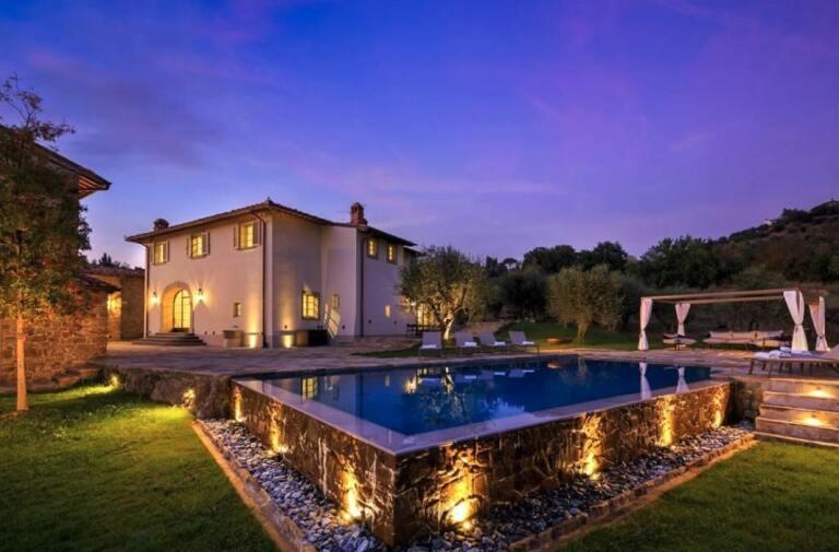 Luxury Villa<br>in Pian dei Giullari