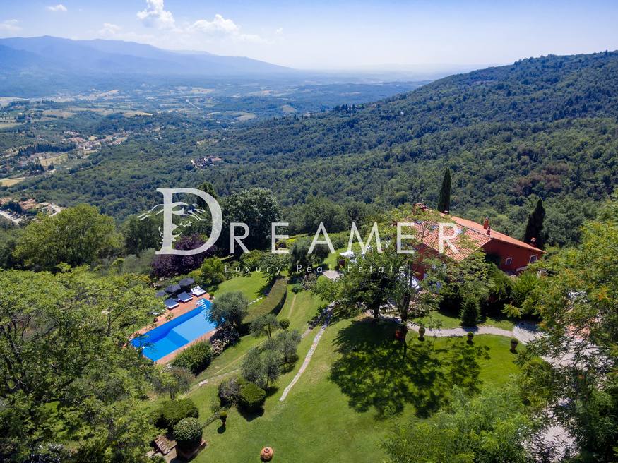 Villa with Limonaia on the hills of Florence