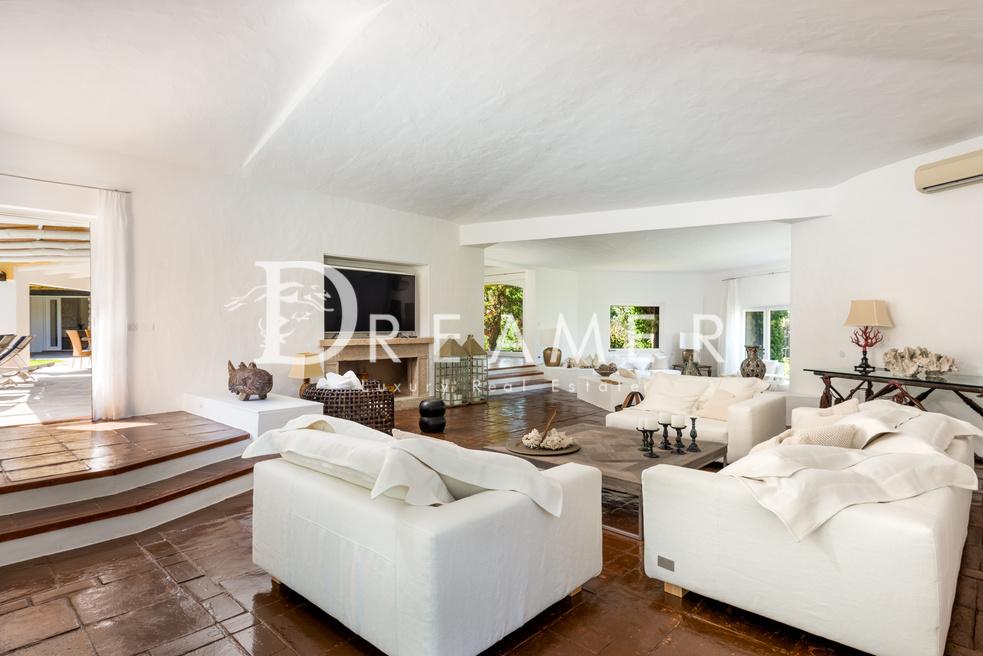 esclusiva-villa-con-spiaggia-privata7-1