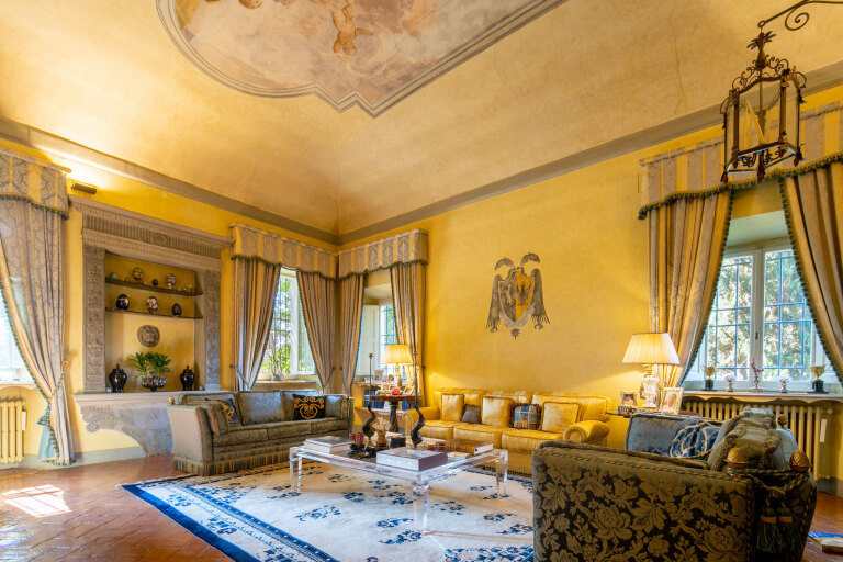Historical Villa on the hills of Florence