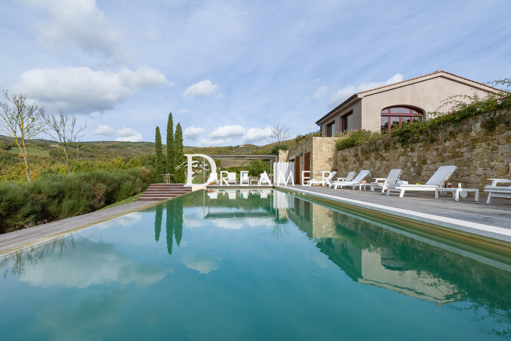 Modern Country House <br>in Val D'Orcia