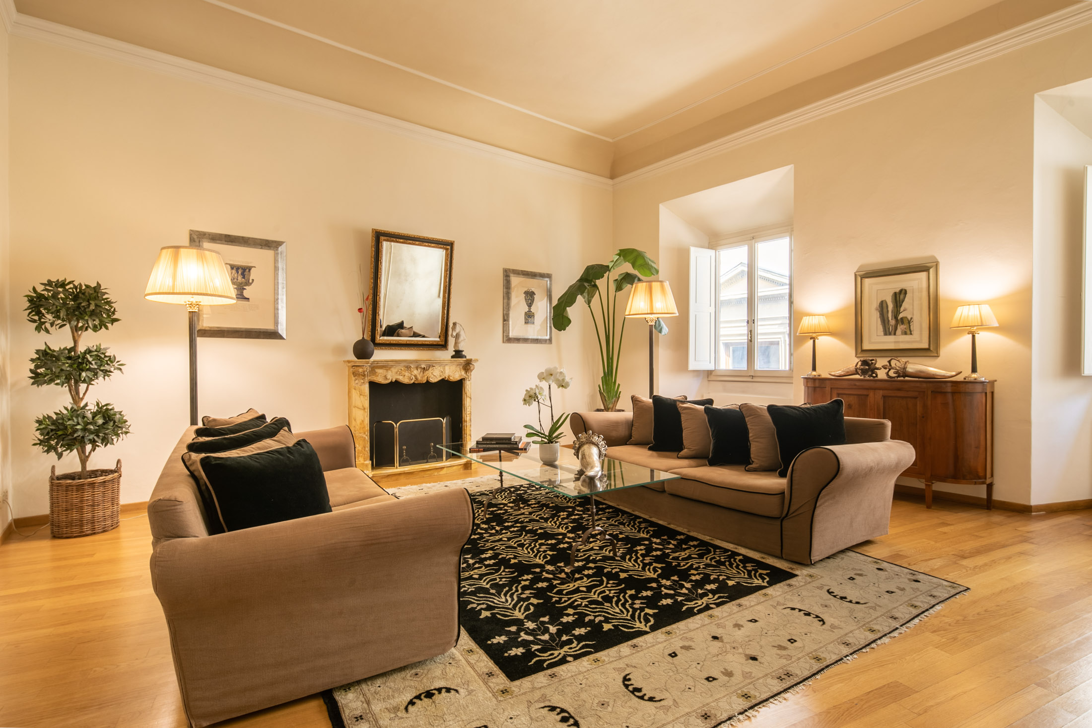 Elegant Apartment<br> in Oltrarno