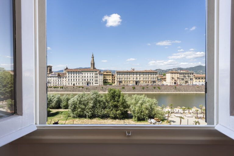 Luxury Penthouse with terraces<br> Lungarno Serristori