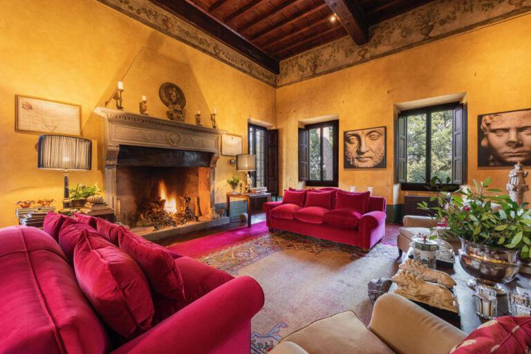 Lussuoso Appartamento <br>in Villa Storica