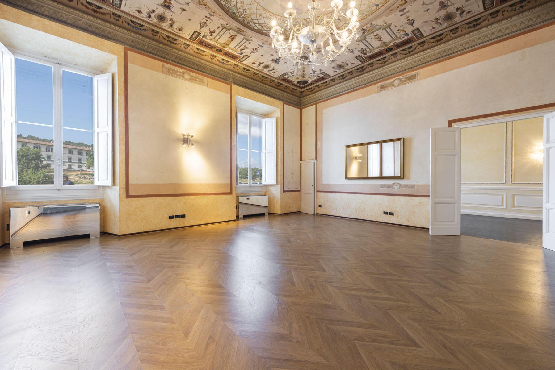 Appartamento Affrescato<br> in Lungarno Vespucci