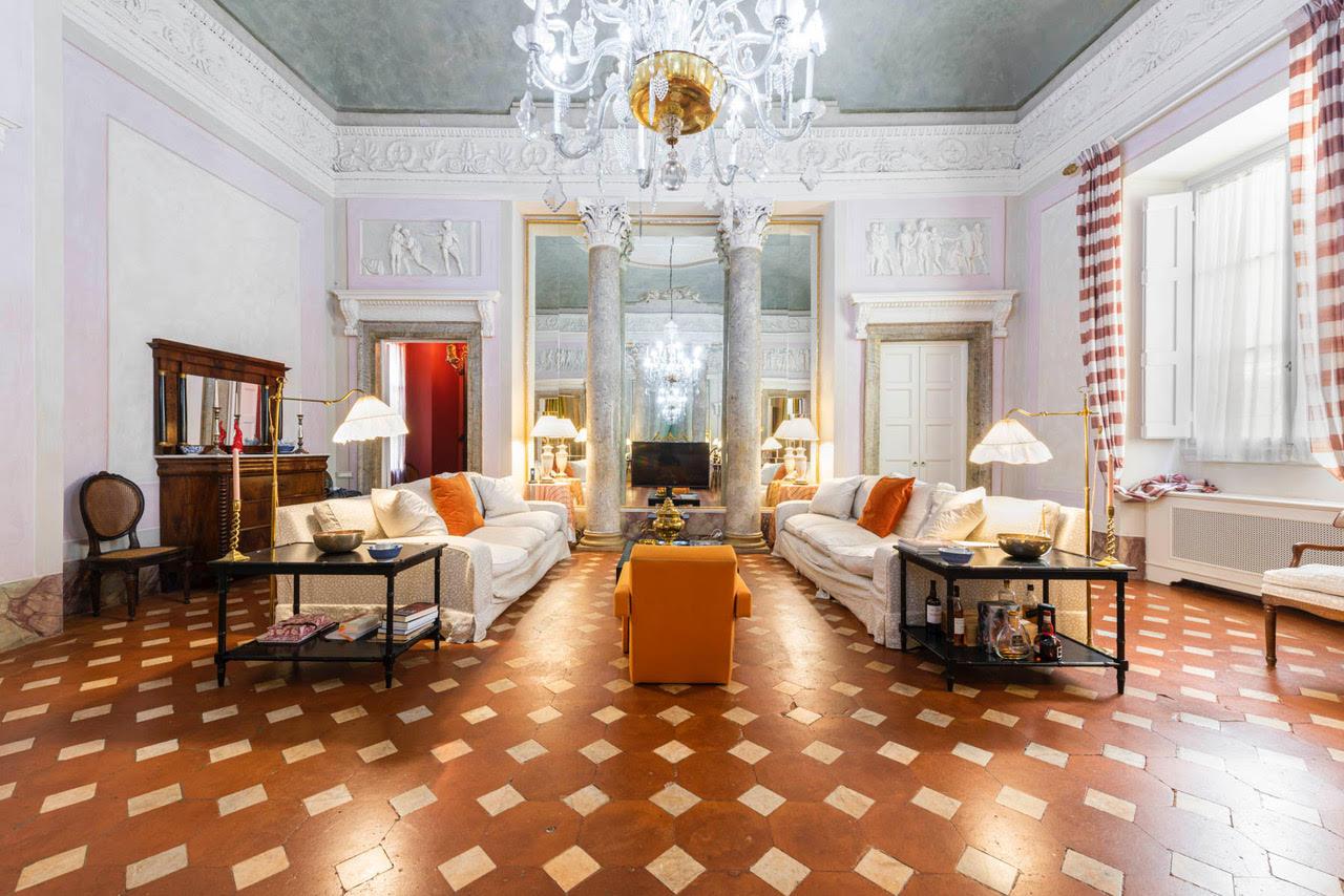 Lussuoso appartamento<br> in palazzo storico